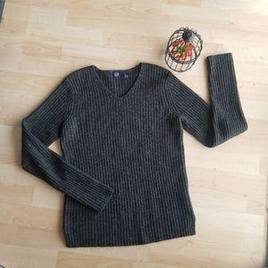 GAP Black Sweater Size L